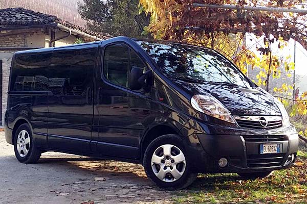 MERCEDES-SPRINTER-AND-OPEL-VIVARO-(8-SEATS)