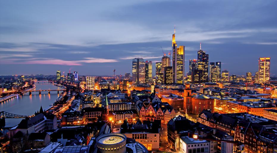 Frankfurt am Abend von oben